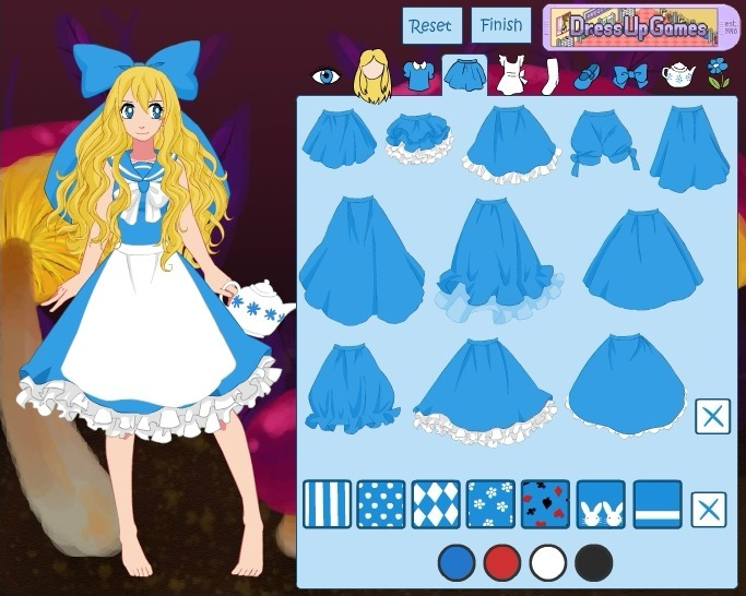 Play Alice in Wonderland Dress Up